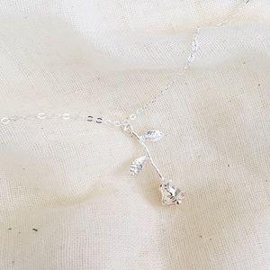acacia rose necklace x silver